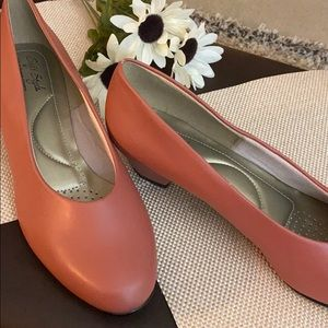 Rose low heel flats